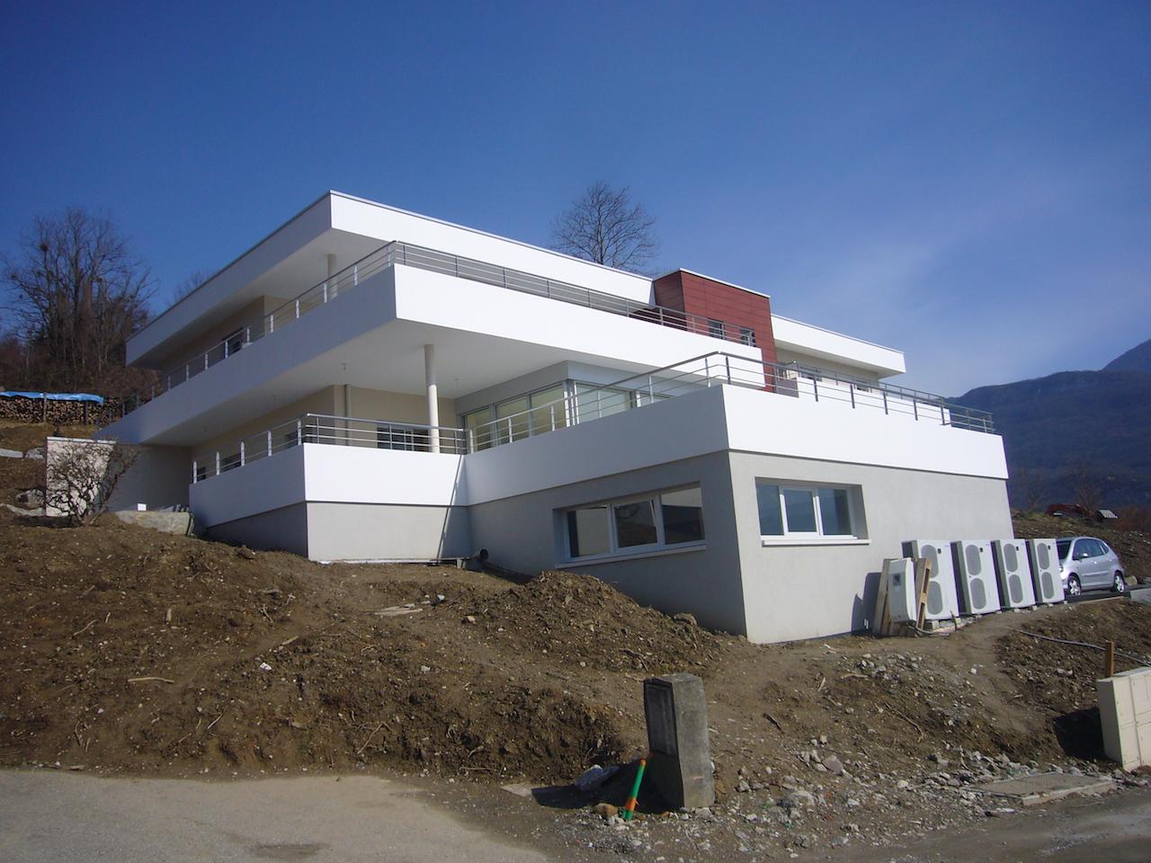 Maison individuelle bassens atelier raymond brun for Commercial maisons individuelles